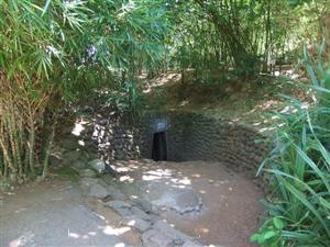 Hoi An Biking Tour Vinh Moc Tunnels2