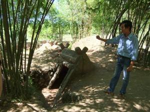 Hoi An Biking Tour Vinh Moc Tunnels3a