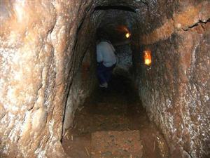 Hoi An Biking Tour Vinh Moc Tunnels7